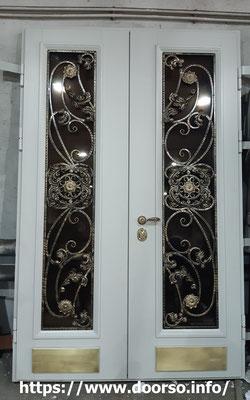 Металлическая дверь со стеклом на заказ в Одинцово.