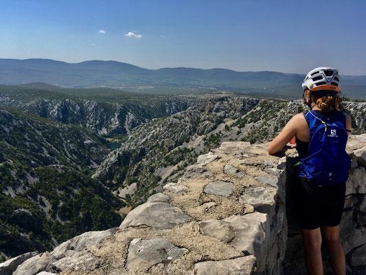 Der Krupa - Canyon wäre einmal sicher einen Ausflug wert  .