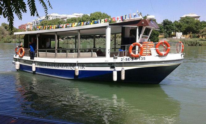 embarcación para paseos en el Guadalquivir