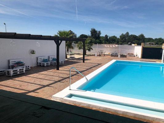 piscina en finca para organizar una capea en Sevilla