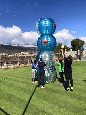 partida para despedidas de solteros bubble futbol en Tenerife