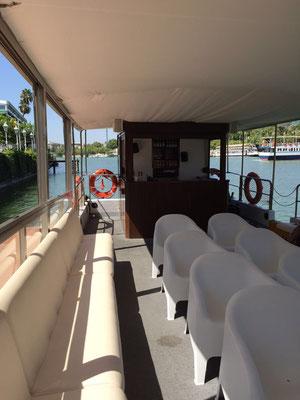 Barco para 32 personas en el Guadalquivir