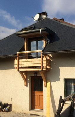 Après la réalisation et la pose d'une lucarne de toit à Chambery le vieux, soit 100... et quelques heures...