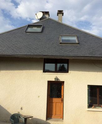 Avant la réalisation et la pose d'une lucarne de toit à Chambery le vieux, une lucarne représente 100 heures de travail environ