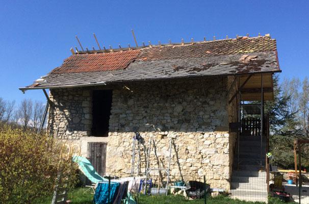 Maison de pays à Novalaise, Savoie, avant la réfection du toit