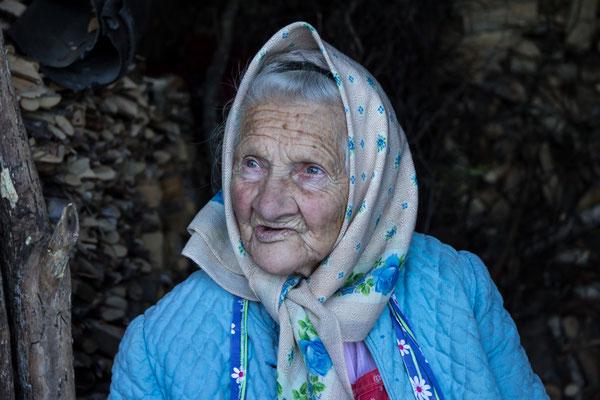 Vom Leben gezeichnet. Südtirolerin, Foto: Fam Schell