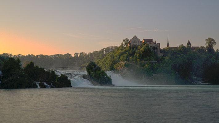 Sonnenaufgang am Rheinfall, Foto: Sebastian Reiter