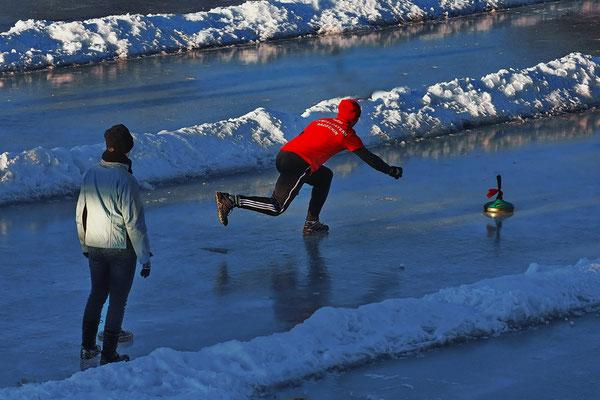 Eisstockschießen, Foto: Dieter Neumann