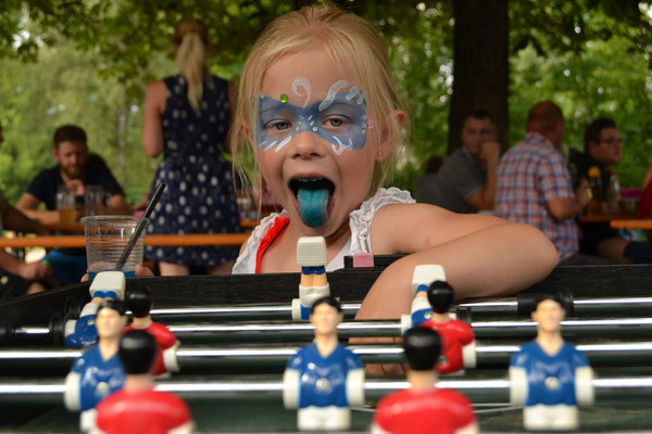 Ganz genau - Zunge blau, Foto: Bernhard Czichon