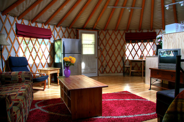 Riverbend Yurt Living room