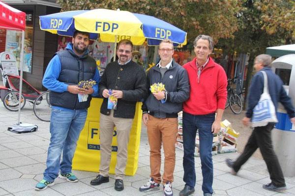 Wir waren auch im bayerischen Wahlkampf aktiv, hier mit dem Kreis- und dem Fraktionsvorsitzenden der FDP Neu-Ulm