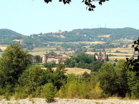 Panoramica sul castello di Rezzanello e antenne