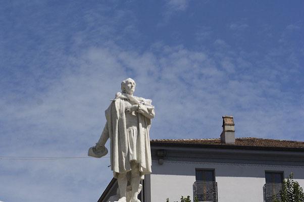 BETTOLA, statua di Cristoforo Colombo