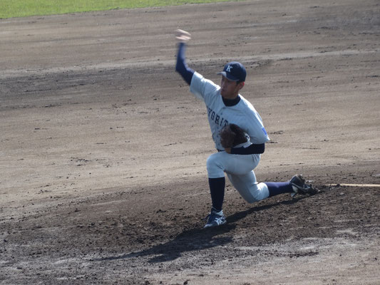 大学初白星を挙げた 2年生投手 谷川文仁投手(経2:長崎日大高校)