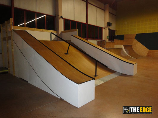 THE EDGE Skatepark Design & Construction - Skatepark indoor LE GLOBE - Carvin