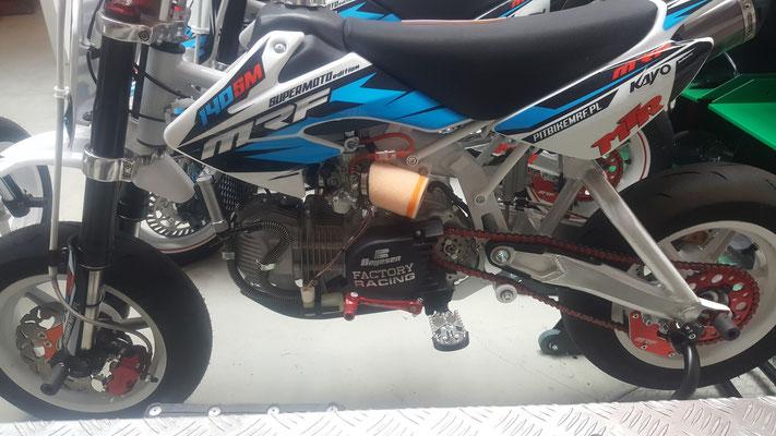 Mikuni Racing Vergaser , Twin Air Luftfilter