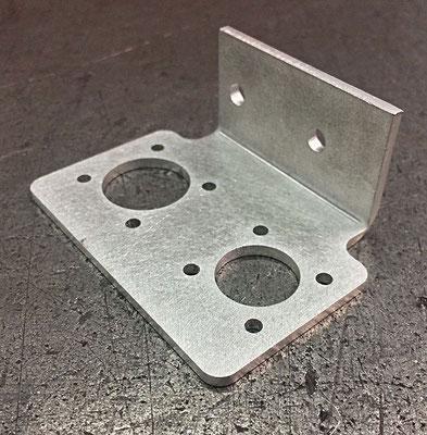 Support moteur en inox 304L, épaisseur 5 mm