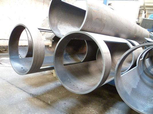 Découpe de tubes en acier, diamètre 193,7 mm, épaisseur 6 mm