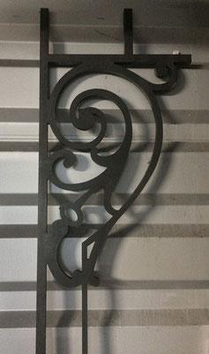 Partie d'un garde-corps pour fenêtre en acier, épaisseur 15 mm