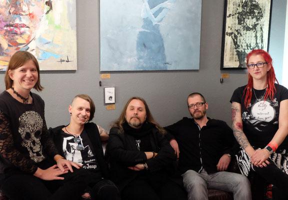 Autoren auf meiner Galerie-Couch: Benjamin Schmidt, Holger Much, Boris Koch und Isa Theobald
