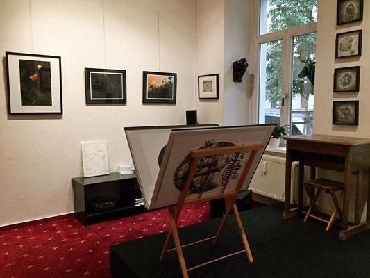 """Einblick in die Ausstellung """"Anderswelt"""" - Werke von Holger Much"""