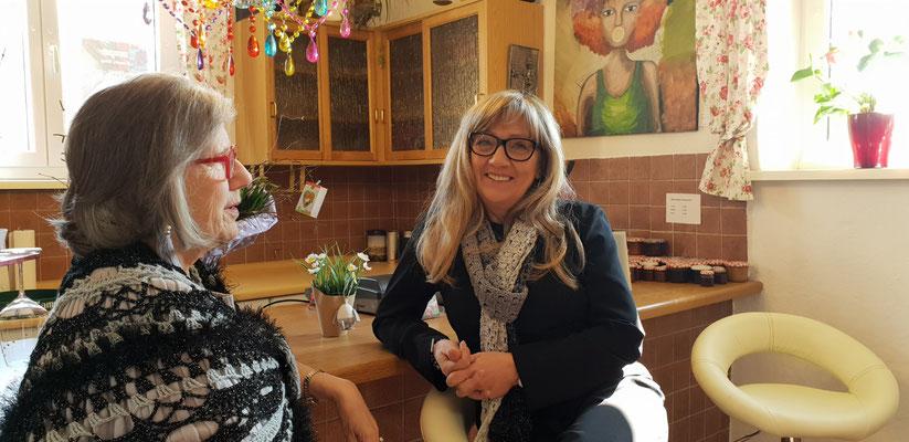 zwei Künstlerinnen, Foto von Alla Werr