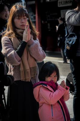 Preghiere al Senso-ji