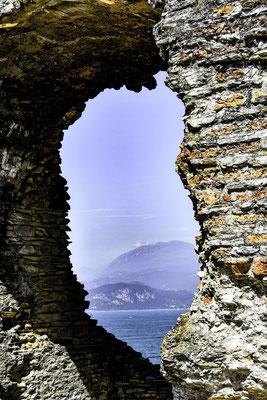Una finestra sul Lago di Garda a Sirmione
