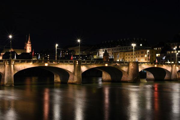 Basel bei Nacht; Foto: Sabine Mathis