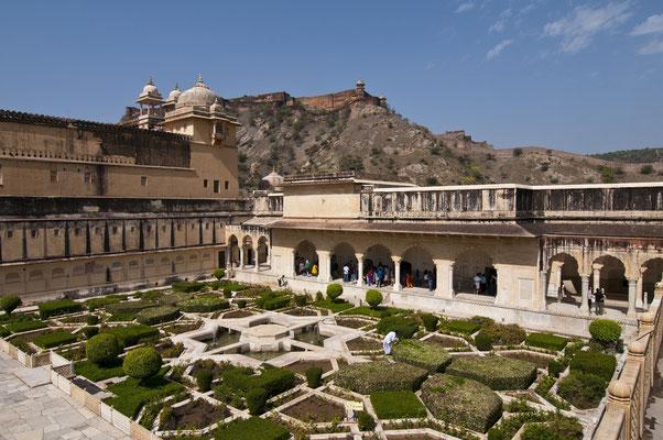 Gartenanlage im Amber-Fort, Jaipur, Indien  Foto: Wolfgang Eigener