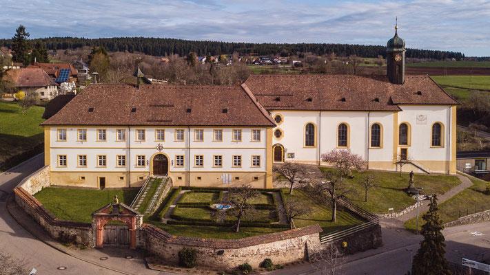 Kirche und Kloster in Riedern a.W.; Foto: Thomas Schulter