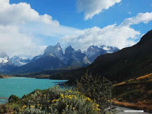 Patagonien, Lago Prehoe und die Hörner; Foto: Gerhard Bach