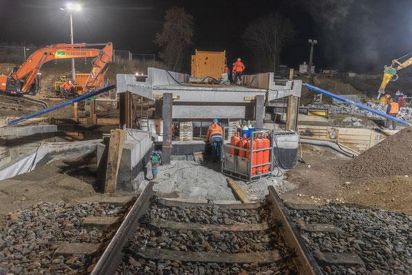 Maßarbeit beim Bau der Umfahrung von Oberlauchringen; Foto: Rudi Franck