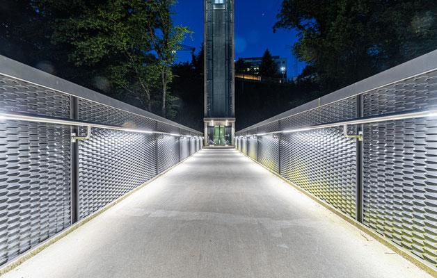 Weg zum Bahnhof am Rheinfall; Foto: Michael Paiano