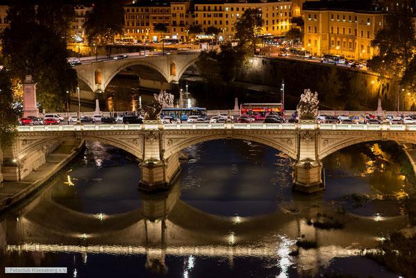 Tiberbrücke bei Nacht; Foto: Iris Blümling