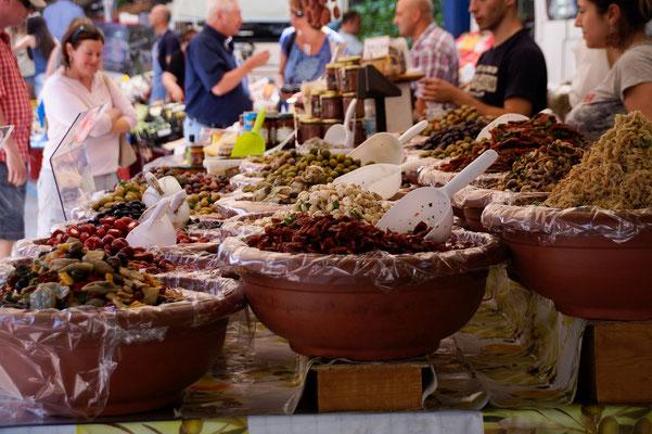 Markt in Canobio; Foto: Sonja Grambach