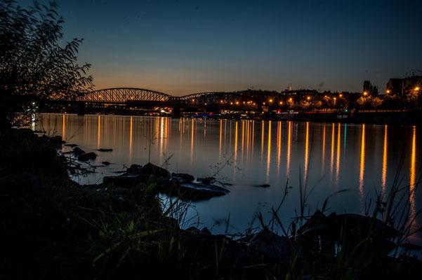 Prag von einer Moldauinsel aus; Foto: Sonja Grambach