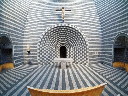 Kirche San Giovanni Battista in Mogno; Foto: Gast Peter Draemann