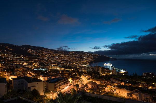 Funchal am Abend; Foto: Werner Beermann