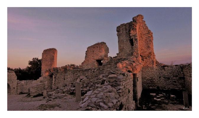 Schlossruine von Thouzon - Provence, Frankreich