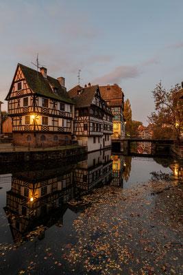 Spiegelung in Straßburg am Morgen; Foto: Iris Blümling