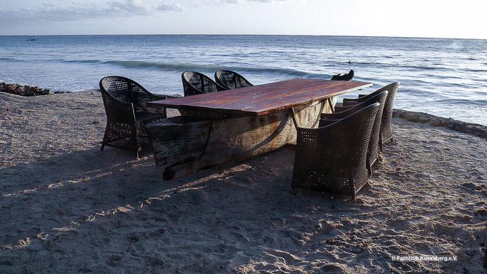 Sonnenaufgang auf Sansibar; Foto: Thomas Schulter