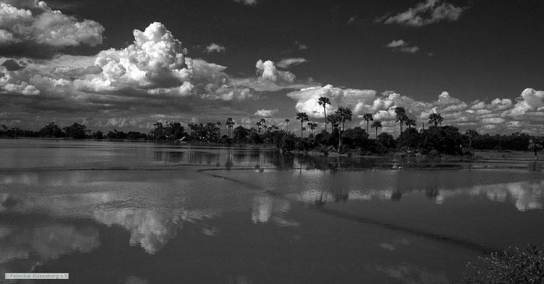 MIttag in Burma; Foto: Wolfgang Eigener