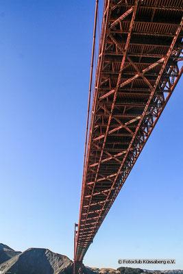 Golden-gate-bridge (von unten);  Foto: Thomas Schulter