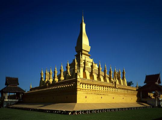 Pha That Luang Stupa in Vientiane, Laos; Foto: Wolfgang Eigener