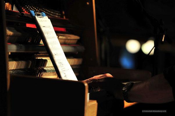 Pianist beim Jazzfest in Tingen Foto: Joachim Hartbaum