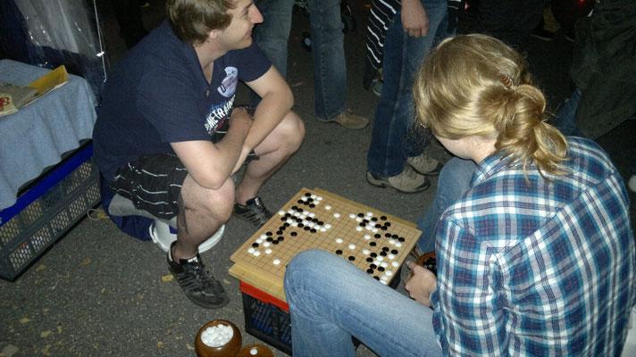 Mieke und Sibbel - zwischen Erklären und Spielen