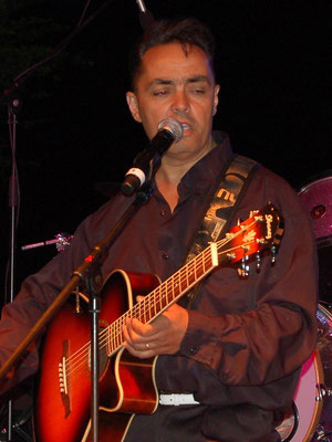 "Jean-Louis Esteban - Chanteur du groupe ""Kick the Dog"""