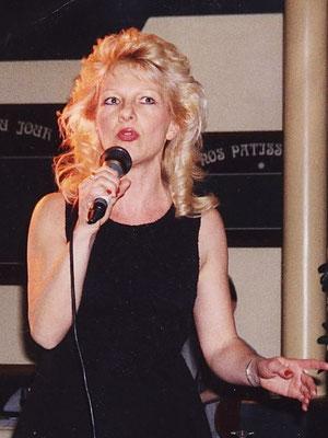 Nicole Julien (77)