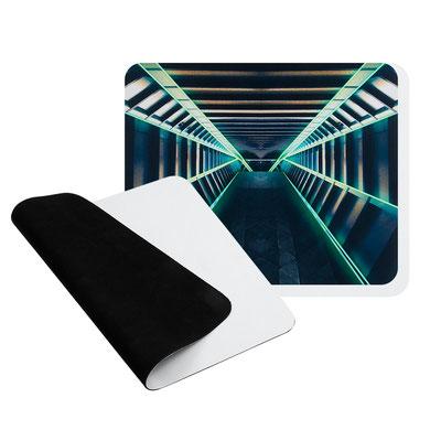 Código MOP 017 -MOUSE PAD GAMER -Mouse pad para videojuegos con superficie suave y tamaño para mayor precisión del mouse. Base antiderrapante.  Material: Poliuretano  Tamaño: